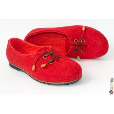 Летние туфли женские на низком каблуке красные