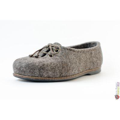 Женские туфли на низком каблуке из войлока