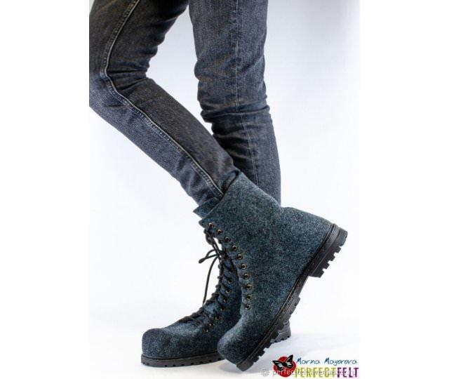 Зимние мужские ботинки Strict gray  ручной работы из войлока на подошве